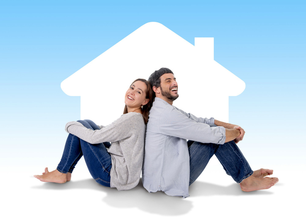 33471980 - Young Attractive And Modern Couple In Love Smiling Happy Together Sitting On Floor Thinking And Imaging Their New House, Home, Flat Or Apartment In Real State Concept